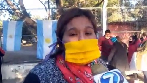 Salta – En Gral. Güemes los trabajadores del Hospital Joaquín Castellanos montaron una carpa para exigir mejoras en las condiciones laborales